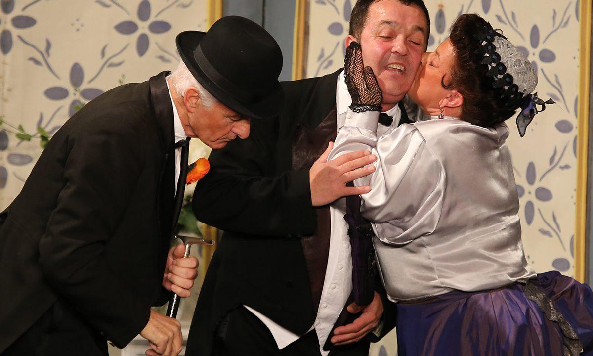 2014 - les comédiens chapelais - un chapeau de paille d